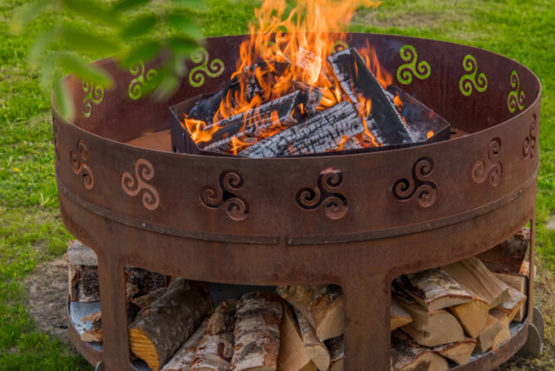 GrillSymbol Fogo Outdoor Wood Burning Fire Pit