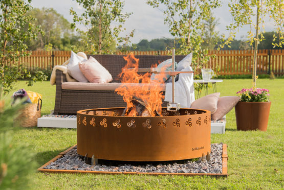 GrillSymbol Legend Outdoor Wood Burning Fire Pit